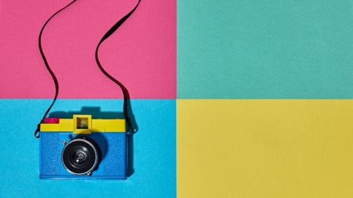 fashion-film-camera-hot-summer-vibes-pop-art-PCYD9JD