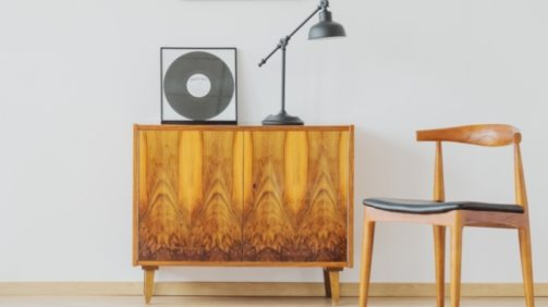 vintage-minimalist-space-PCEV9RQ