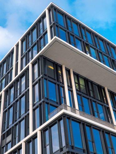 op_modern-office-building-PBR2LJK
