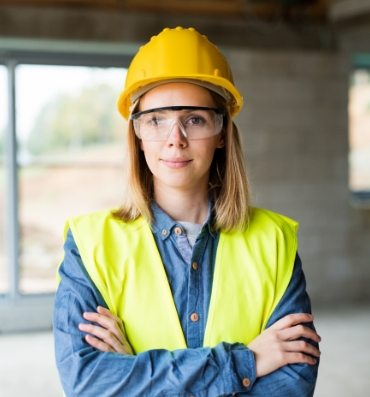 young-woman-worker-on-the-construction-site-P6CBEA3