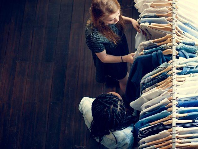 clothes-shop-costume-dress-fashion-store-style-P7HP5QN
