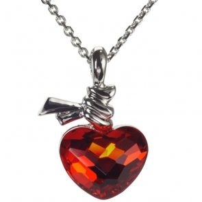 red-heart-shaped-gemstone-necklace-P9W28B8