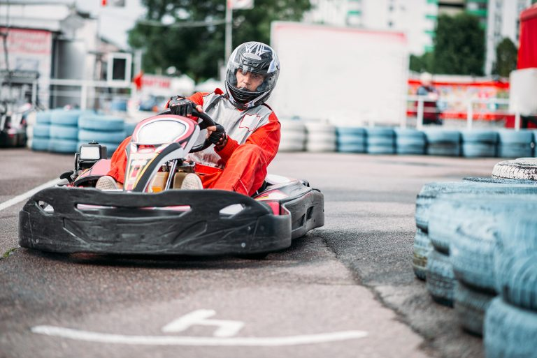 karting-racer-in-action-go-kart-competition-P3QUDEW
