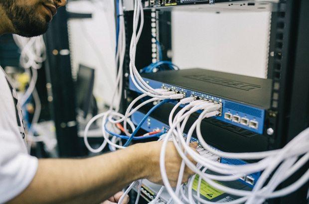 blur-computer-connection-442150