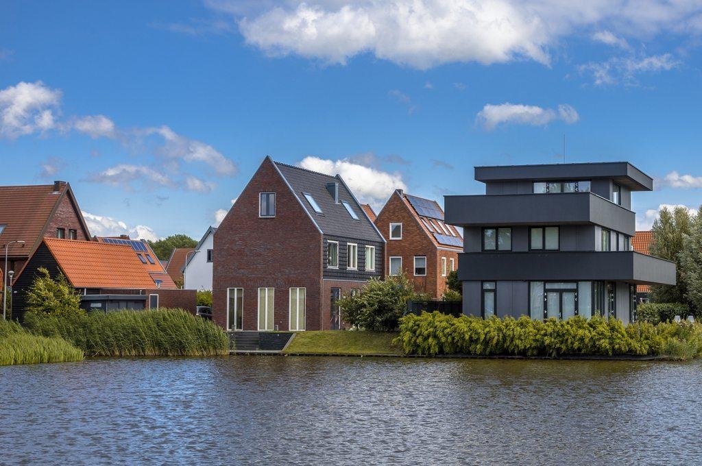 modern-free-standing-houses-PCZXAU4