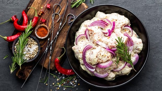 shashlik-marinated-for-grill-PVH5GNT