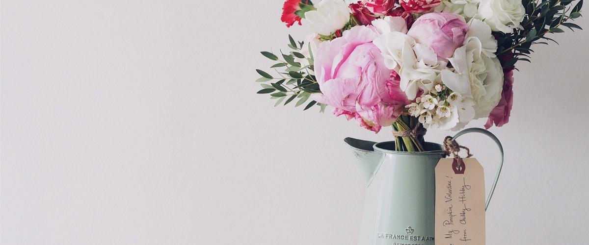 افزایش زیبایی محیط با گلهای طبیعی