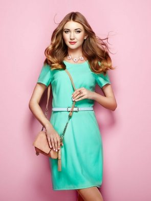 woman-in-elegant-green-dress-PVB8DA7