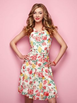 woman-in-floral-spring-summer-dress-P3KAV2Z